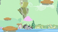 Pies floating up S2E02