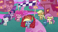 Ponies and Smallfry proud of Rainbow PLS1E2b