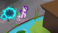 Starlight and Spike see swarm of twittermites S8E15