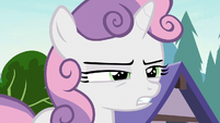 Sweetie Belle squinting her eyes S7E21