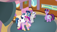 Twilight's family hears director's new announcement S7E22