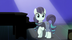 Coloratura smiling at the audience S5E24