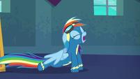 Rainbow Dash doing some stretches S6E7