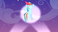 Rainbow pops out S4E12