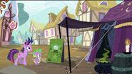 S02E20 Przed namiotem Madame Pinkie