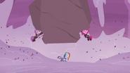 S05E25 Maud i Pinkamena ratują Rainbow Dash