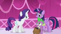 """Spike with the bag of books """"Both"""" S5E22"""