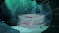 Apple Bloom surrounded by a whirlwind S5E4