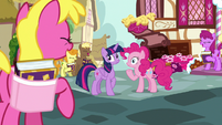 Pinkie Pie's fans laughing once more S7E14