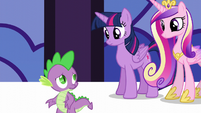 Spike -instead of getting into the spirit of things- S5E10