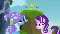 Changelings cheering near Starlight and Trixie S7E17