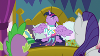 Twilight crying in Rarity's new dress S8E2