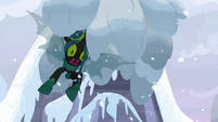 Chrysalis overwhelmed by an avalanche S9E24