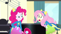 """Fluttershy feebly shouting """"Song!"""" SS4"""
