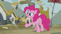 "Pinkie ""Nothing cheers folks up like cake!"" S5E8"