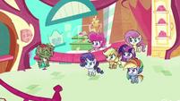 Pinkie sends another milkshake across counter PLS1E2a