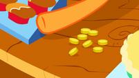 S01E03 Applejack zbiera zapłaty