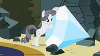S02E01 Rarity i jej diament