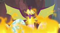 Fume contains the fire with his wings S9E9