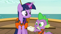 Spike presents a small package to Twilight S6E22