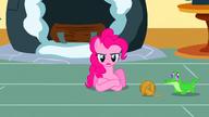 S01E25 Pinkie zdziwiona zachowaniem przyjaciółek