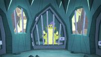 Sludge in a Scale Collectors prison cage S8E24