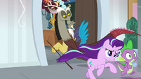 Starlight and Spike follow panicked students S8E15