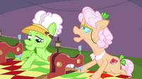 Apple Rose --think he's racing with his cousin-- S3E8