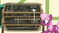 Cheerilee spinning the chalkboard around S6E14