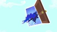 Luna exiting Fluttershy's dream S5E13