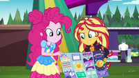Pinkie and Sunset look at festival map EGSBP