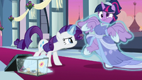 Rarity forcefully dressing up Twilight S9E26