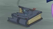 Star Swirl the Bearded's journal in burnt shreds S7E26