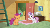 Sweetie Belle -the clubhouse is for Crusaders only- S5E4