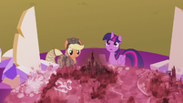 Twilight --everything else is different-- S5E25