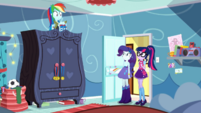 Twilight and Rarity enter Rainbow Dash's room SS12