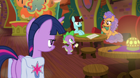 Twilight watches Spike take orders S9E5
