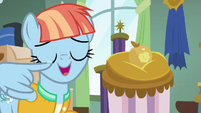 Windy Whistles wiping her tears away S7E7