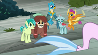 Young five looking at seapony Silverstream S8E2
