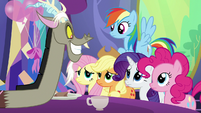 "Discord ""make a big announcement!"" S7E1"