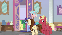 Students leaving Twilight's office S8E26
