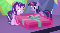 Twilight giving Starlight her present S7E1