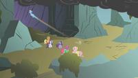 Rainbow speeds into the cave S1E07