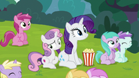 Sweetie Belle sitting bored next to Rarity S7E6