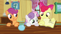 CMC looking at book S2E17