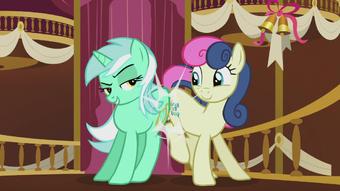 Lyra Heartstrings | My Little Pony Friendship is Magic Wiki | Fandom