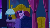 Twilight going back to sleep S5E13