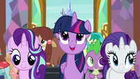 "Twilight singing ""is home to everyone"" S8E2"
