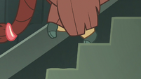 Yona running down a flight of stairs S8E2