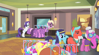 Rarity notices the line of ponies S4E08